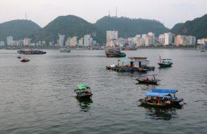Die Bucht von Cat Ba City