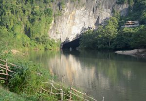 Eingang der Phong Nha Höhle