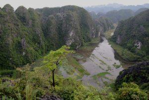 Blick über Tam Coc Karstlandschaft