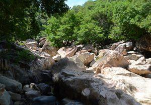 Durchs Bachbett zu den Ba Ho Wasserfällen
