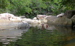 Baden oberhalb des 3. Ba Ho Wasserfalls